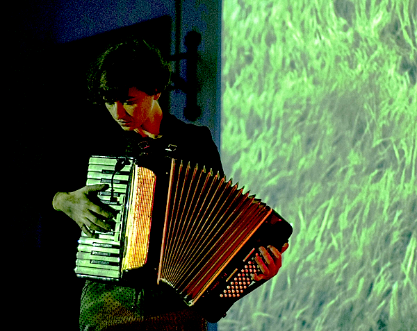 Lucie Vítková at the accordion