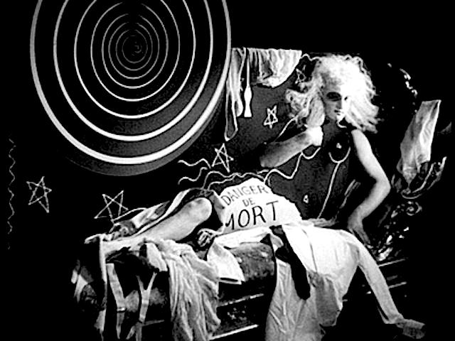 Danger de mort! à l'Hôtel de Folies Dramatiques - « Le sang d'un poète », by Jean Cocteau