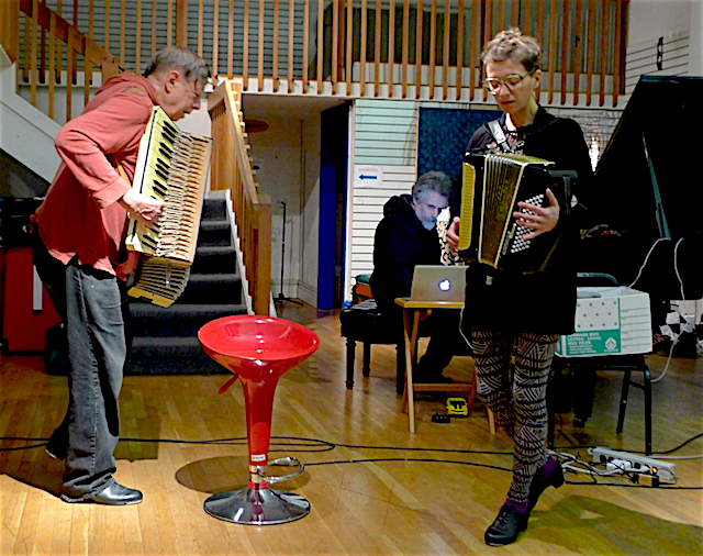(L→R) Bob Marsh, Joe Lasqo, and Lucie Vítková perform Lasqo's Drak nebo krokodýl?, Berkeley Arts Festival, 23 Feb 2014