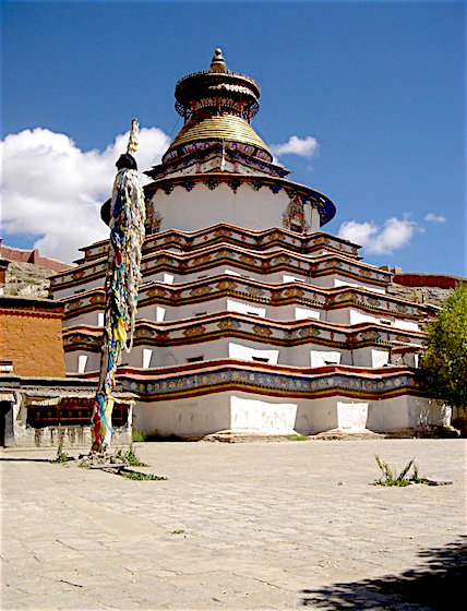 The fully 3-dimensionalized mandala of the Gyantse Kumbum (རྒྱལ་རྩེ་སྐུ་འབུམ།) in Tibet